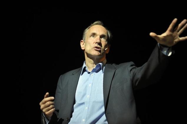 Tim Berners-Lee scolds